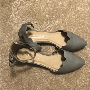 Chinese Laundry size 8.5 Gray ankle strap flats